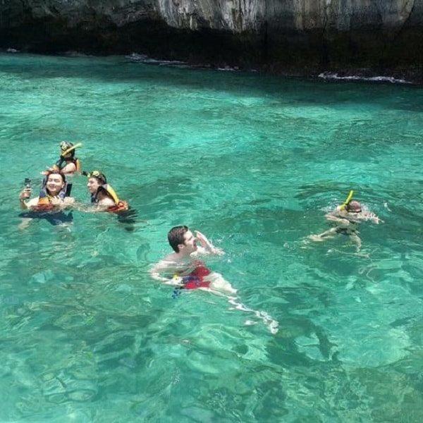 Krabi snorkelers