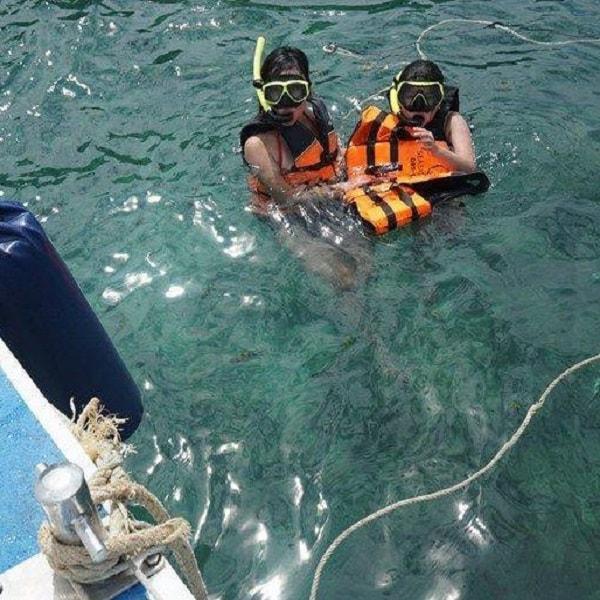 Racha Yai snorkelling for beginners