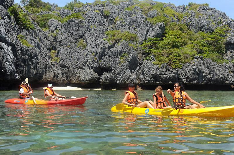 angthong marine park kayaking