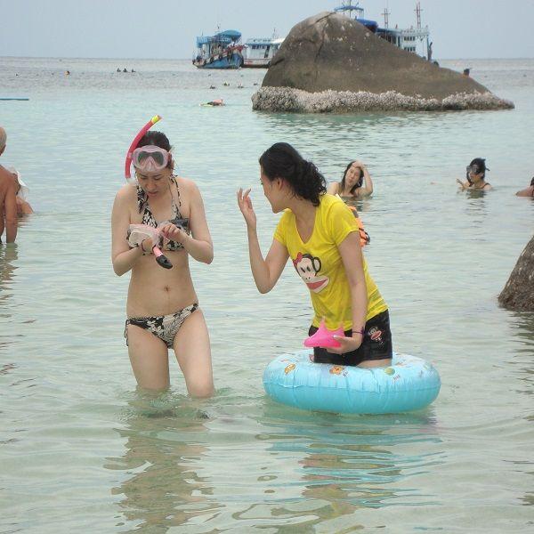 Koh Nang Yuan snorkelers