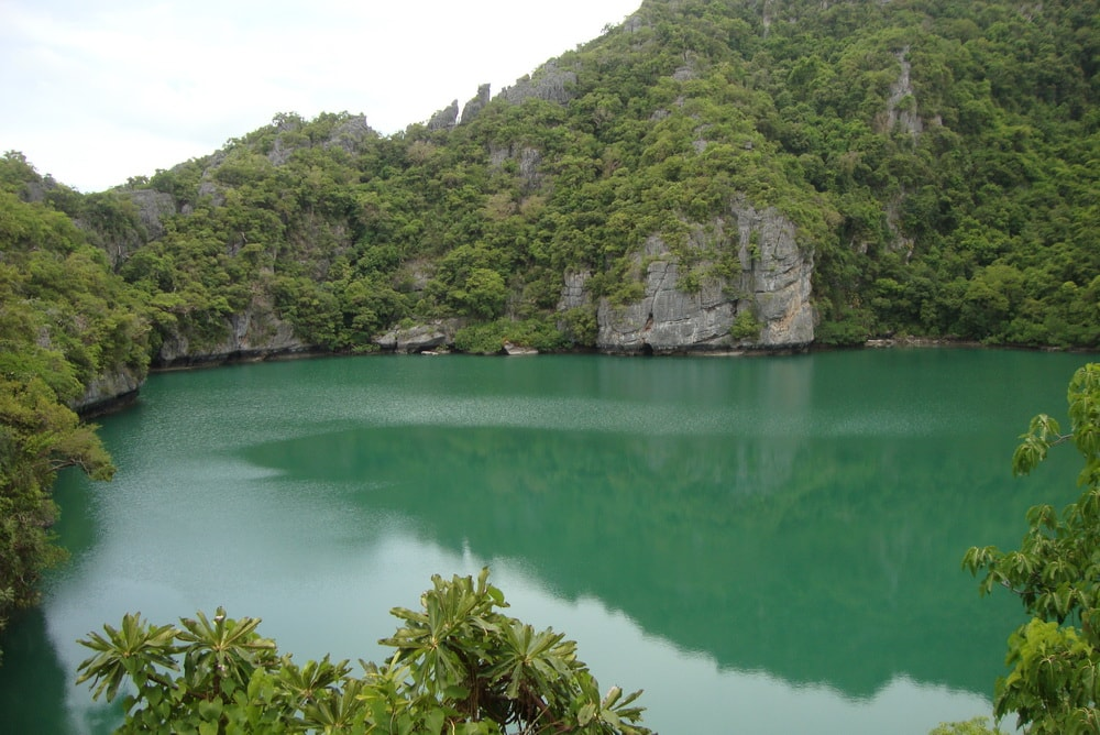 Angthong Emerald Lake