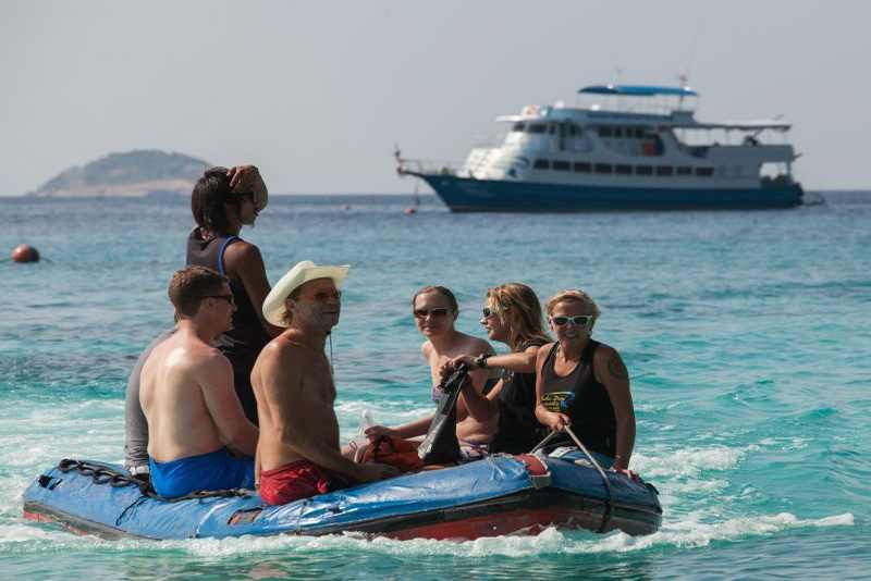 Similan Explorer dinghy beach excursion