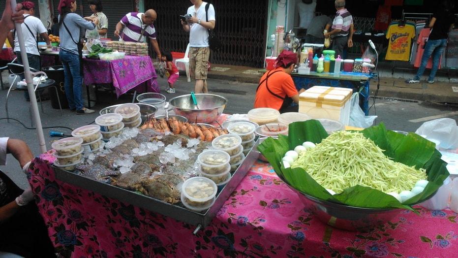 Lard Yai Phuket Sunday market