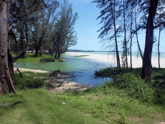 Bangsak beach Khao Lak